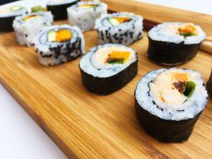Sushi mit Kürbis und spicy Garnelen Creme