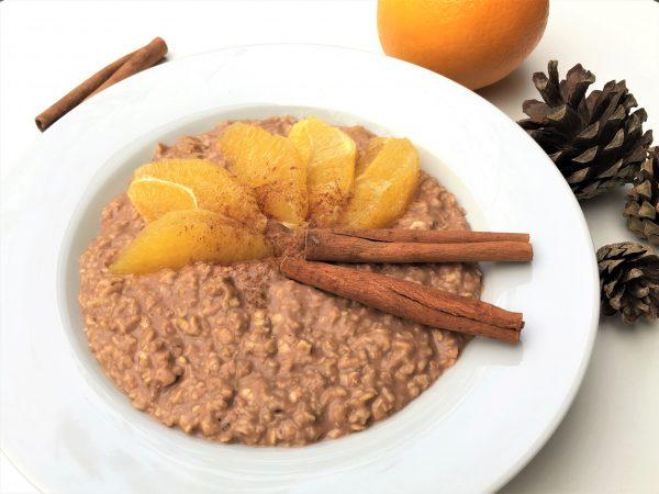 Porridge mit Kakao, Zimt und Orange