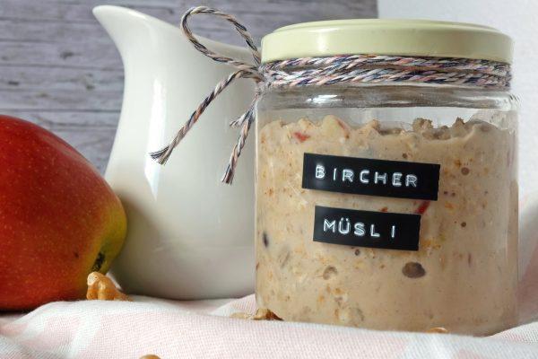 Bircher Müsli mit Apfel
