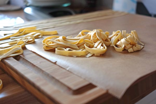 es gibt italienische pasta nudelteig selbstgemacht ninastrada. Black Bedroom Furniture Sets. Home Design Ideas
