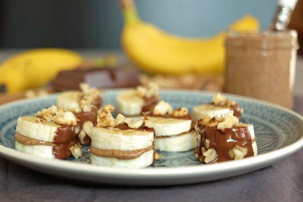 Banana Bites mit Mandelcreme und Zartbitterschokolade