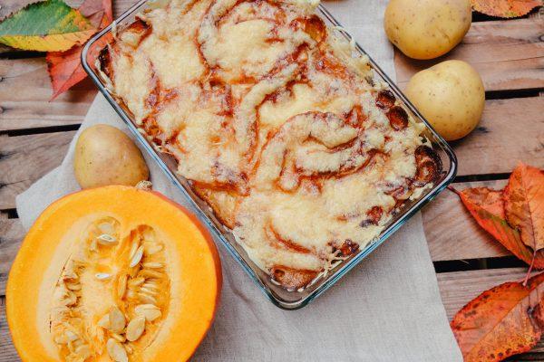 Rezept für Kürbisauflauf mit Käse überbacken im Herbst