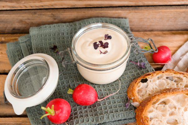 Schnelles einfaches Rezept Honig-Senf-Aufstrich Frischkäse Dipp Sauce Grillen Grillsauce Fondue Raclette
