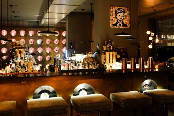 33RPM Bar in München Jams Music Hotel Drinks Erfahrung Bewertung