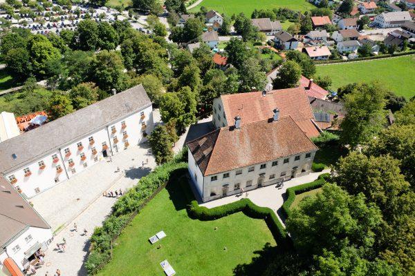 Kloster Andechs von oben Tagesausflug Bayern