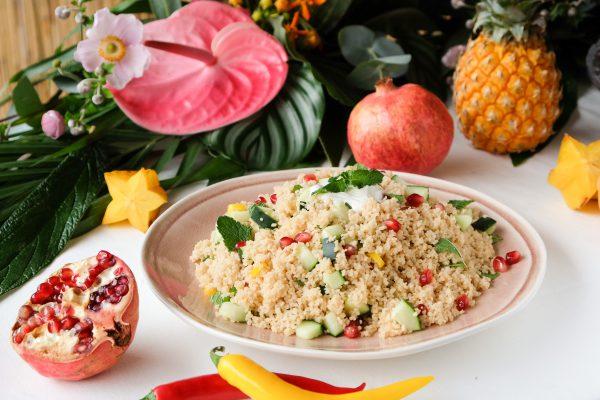 Party Rezept Salat mit Couscous, Granatapfel Kernen und Minze fürs Buffet zur Tropical Party