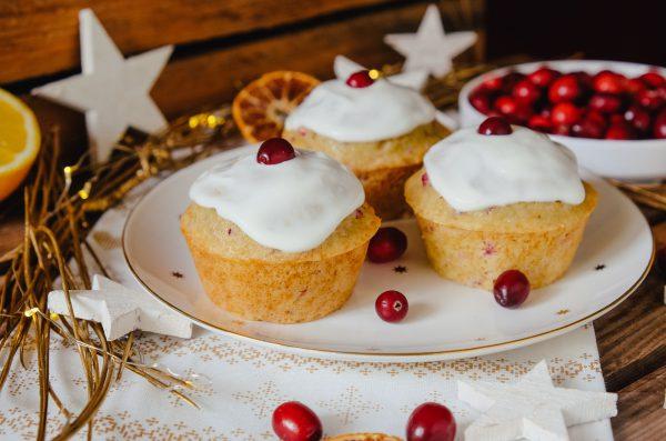 saftige Orange Cranberry Muffins mit Frischkäse Frosting