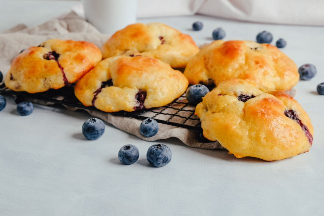 Gesunde Blaubeer-Quarkbrötchen ohne Zucker Rezept zuckerfrei