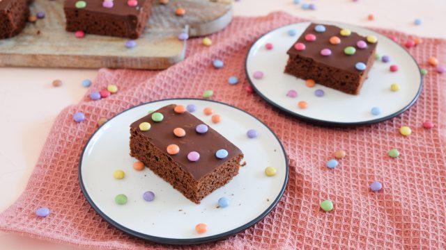 Einfacher Schokoblechkuchen Schokoladenkuchen Rezept für Kindergeburtstag