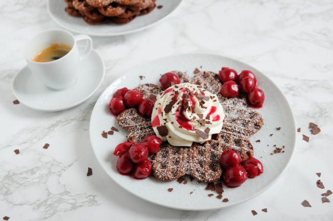 Schwarzwälder-Kirsch-Waffeln Rezept Schokoladen Waffeln Schokowaffeln