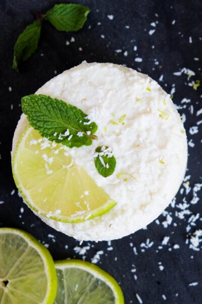 Rezept für No Bake Cheesecake mit Kokos und Limette