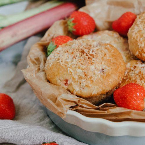 Saftige Erdbeer-Rhabarber-Muffins